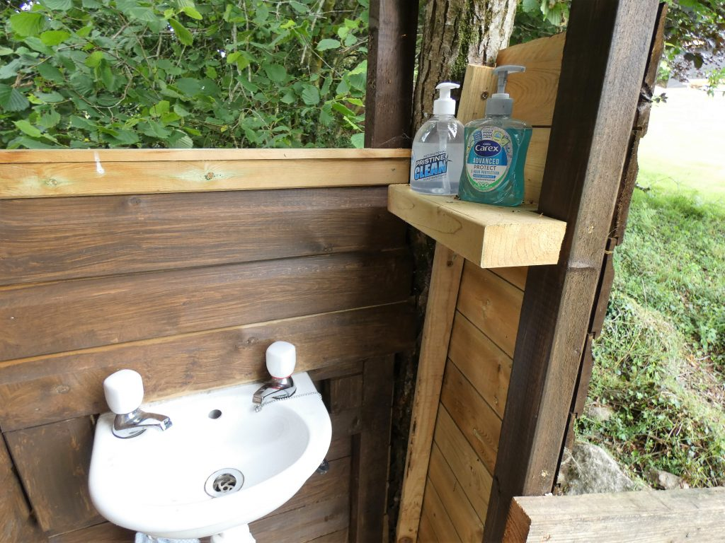 Sink, sanitiser, handwash, tree bog