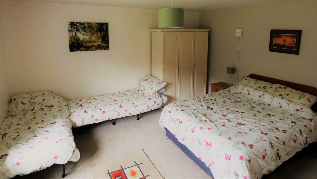 Family Room Bedroom Sleeps 4 Riverside B&B en suite shower and bath